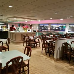 Photo Of Winstead S Overland Park Ks United States The Almost Empty Dining