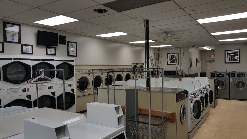 Denier Coin-Operated Laundromat: 7547 Pearl Rd, Middleburg Heights, OH