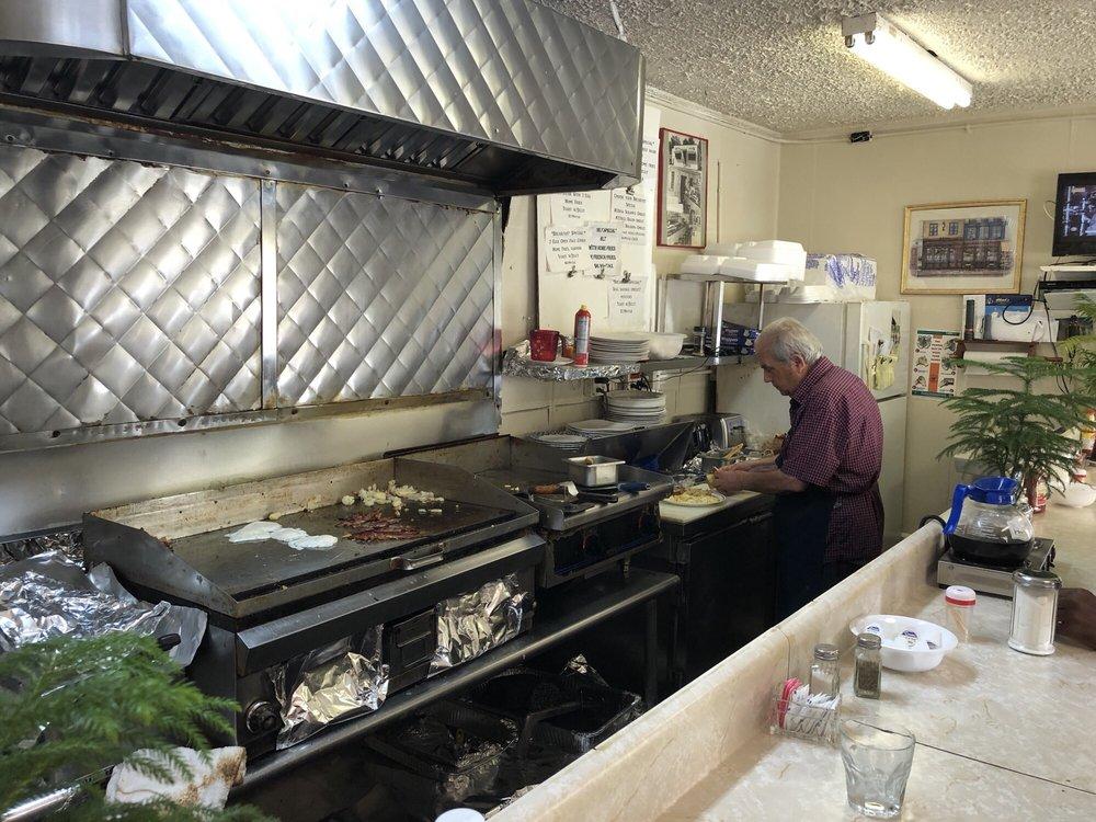 Charlie & Litsa's South Main Cafe: 900 S Main St, Culpeper, VA