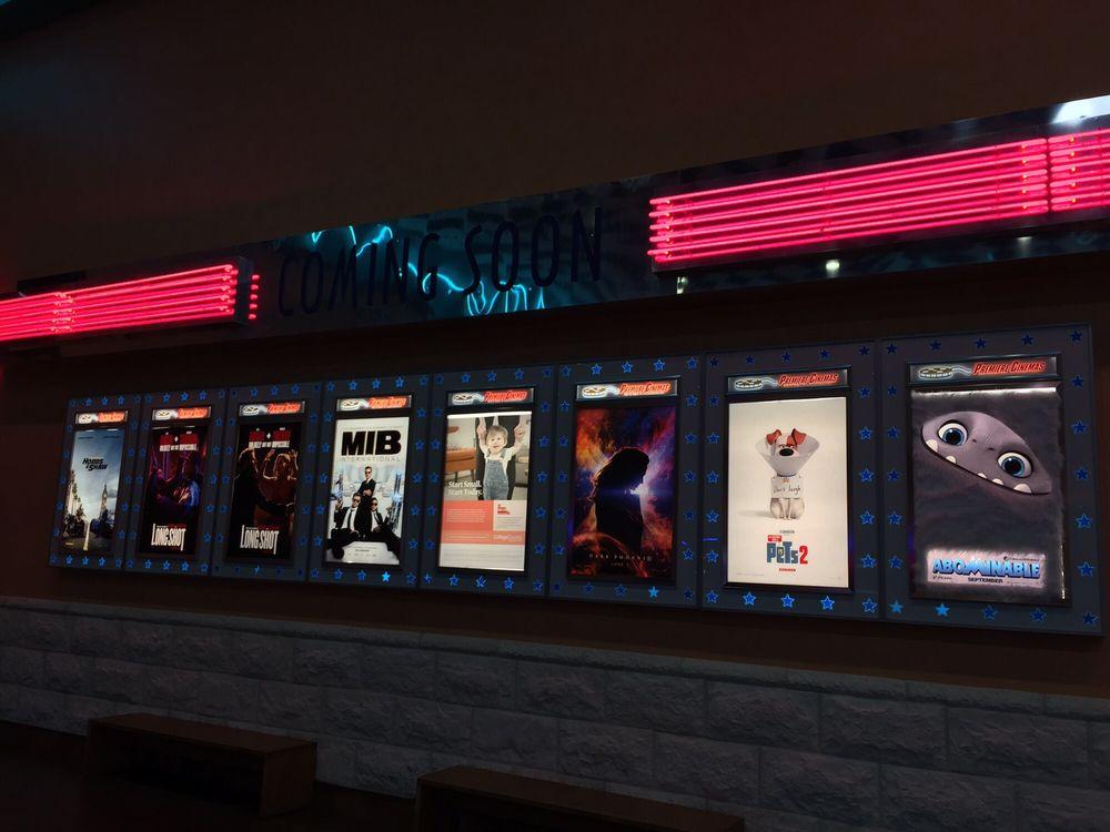 Premiere Cinema 16: 1001 Rainbow Dr, Gadsden, AL