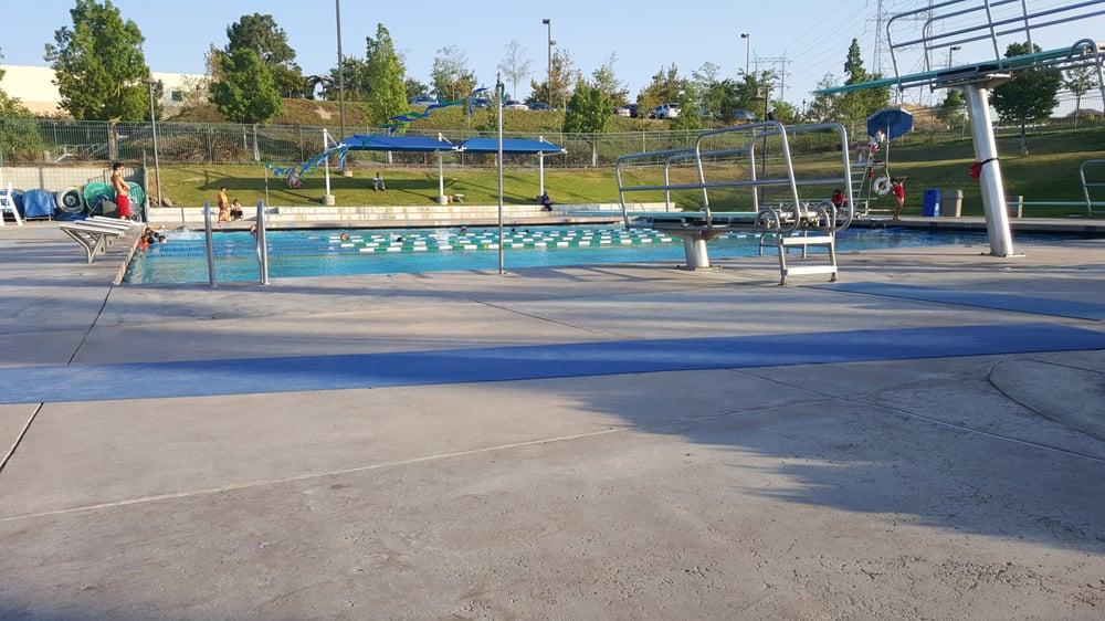 Santa Clarita Aquatics Center 32 Photos 37 Reviews Swimming Pools Santa Clarita Ca