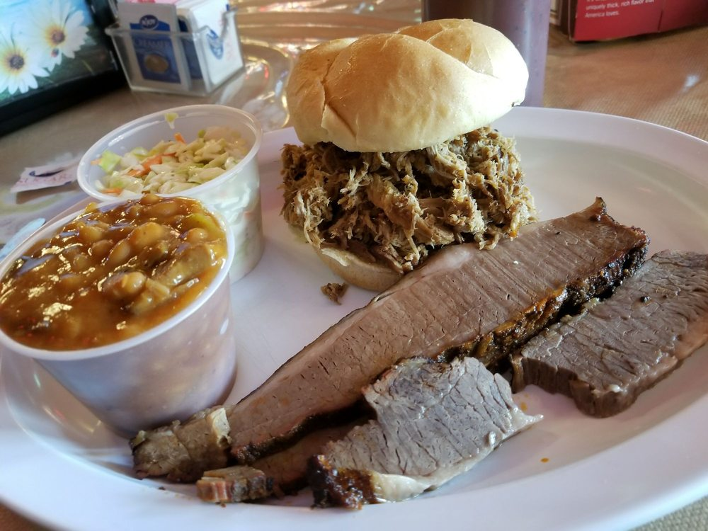 Main Street BBQ & Grill: 1616 Washington St, Blair, NE