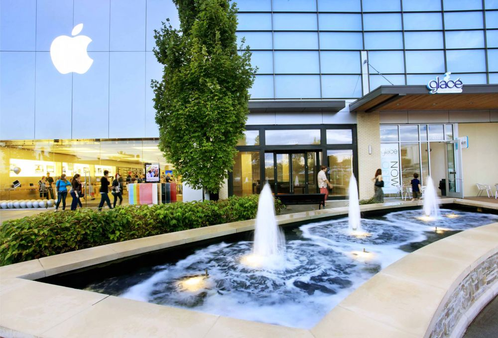 Town Center Plaza, Leawood, KS. K likes. Conveniently located in the NW corner of th Street & Roe Avenue in Leawood, KS, Town Center Plaza offers /5().