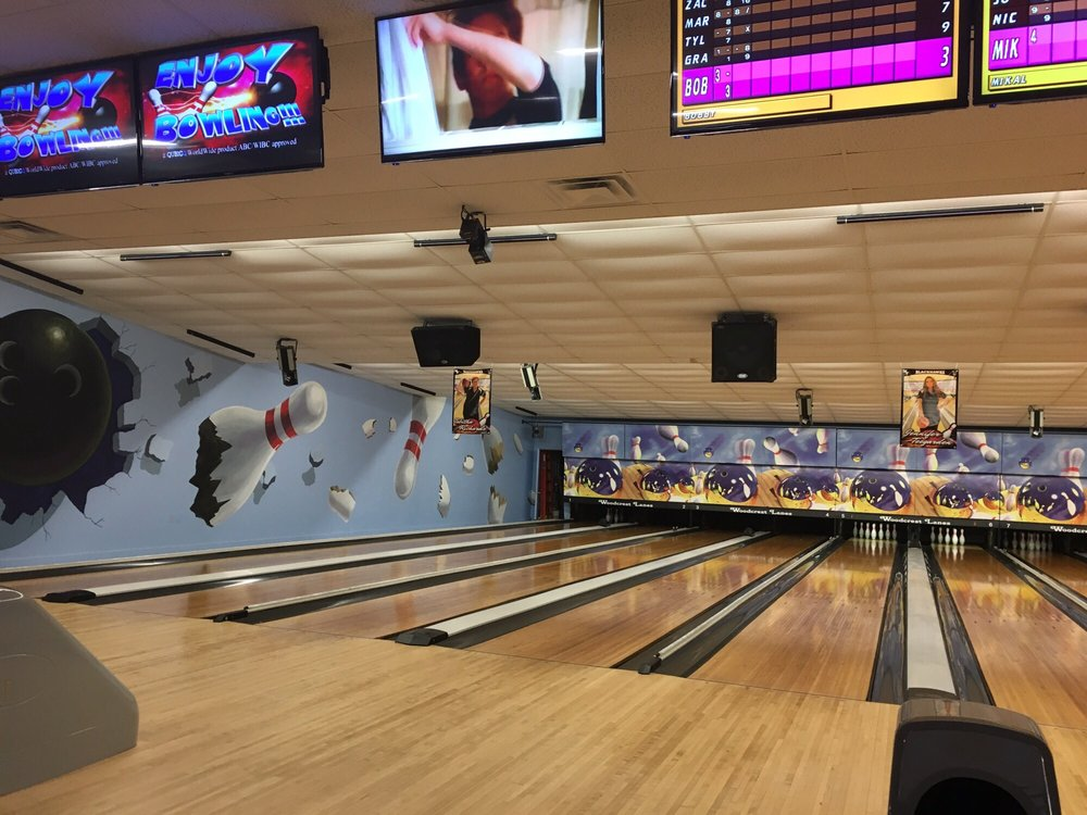 Woodcrest Lanes: 100 N Grandview St, Union City, OH