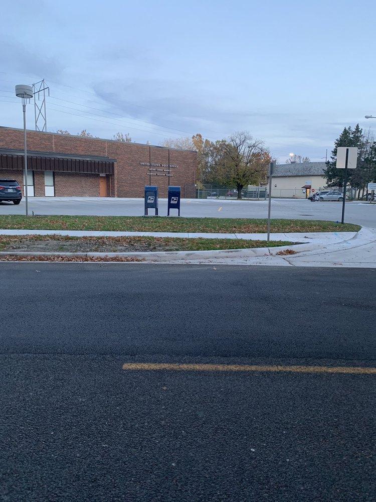 US Post Office: 4225 W 107th St, Overland Park, KS