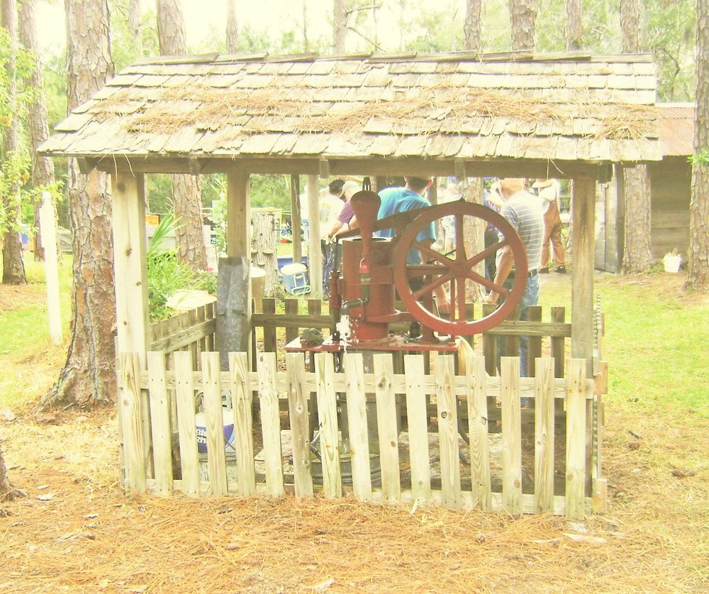 Heritage Village & Historical Museum: 11909 125th St N, Largo, FL