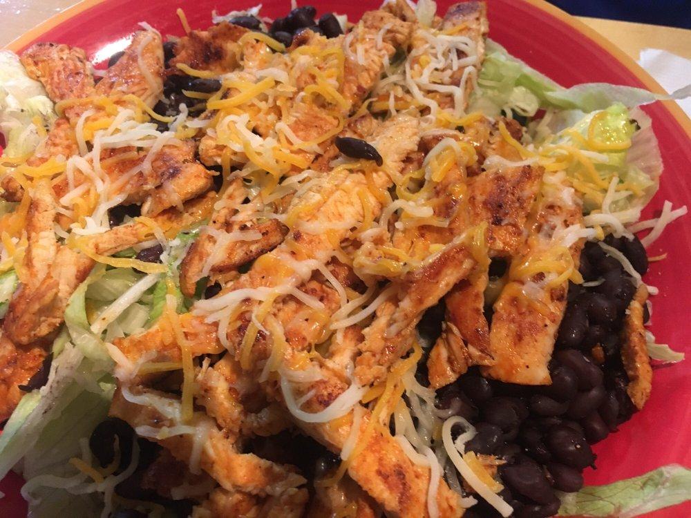 La Pina Mexican Restaurant: 1860 Wayne Rd, Savannah, TN