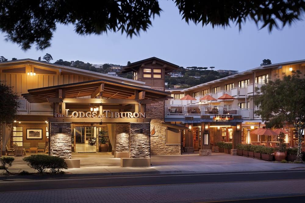 Hotels in Covington KY near Cincinnati - Radisson Riverfront