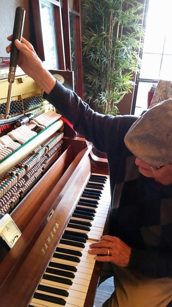 Wilbur Daniels Piano Service