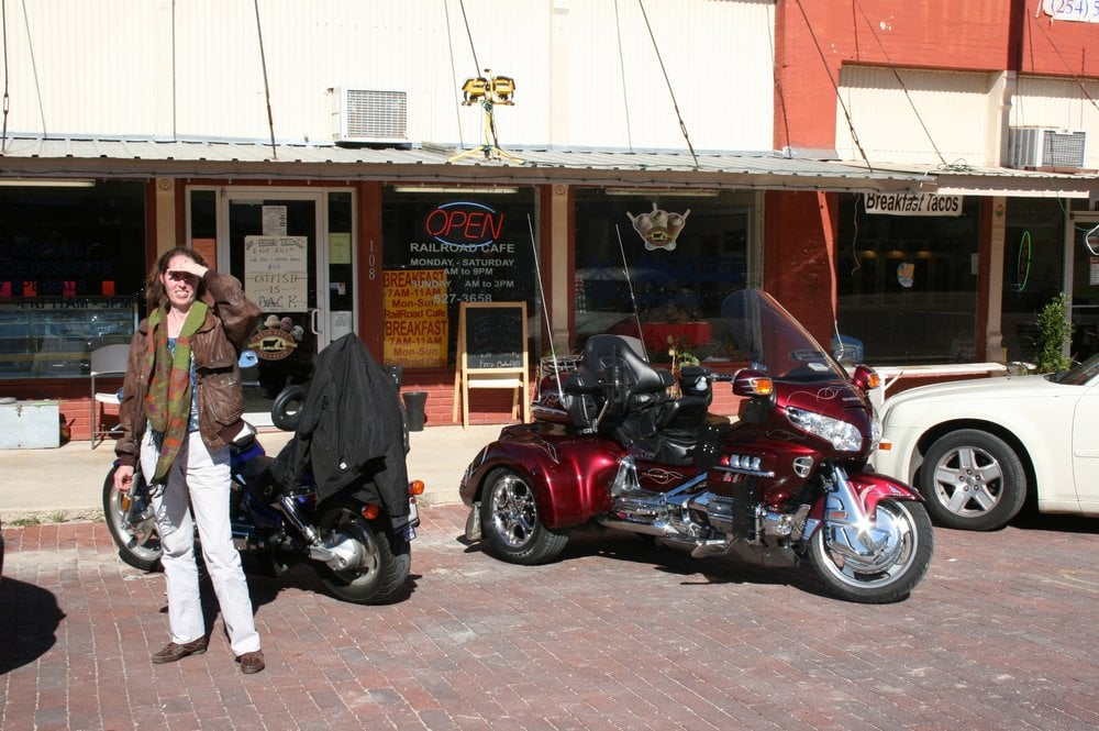 Railroad Cafe: 108 E Clark St, Bartlett, TX