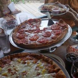 Photo Of Iannucci S Pizzeria Italian Restaurant Hendersonville Nc United States Pizzas