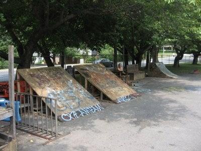 K-Town Skate Spot: Warner St & Summit Ave, Kensington, MD