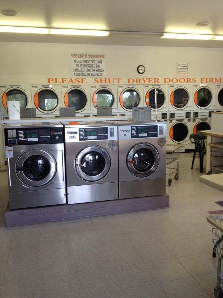 La Pine Laundromat: 51620 Bluewood Ave, La Pine, OR