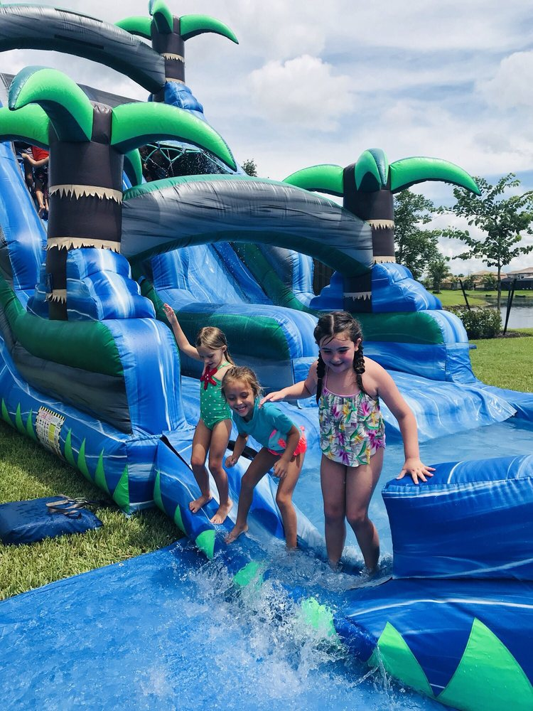 Busy Bee Party Rentals: Clewiston, FL