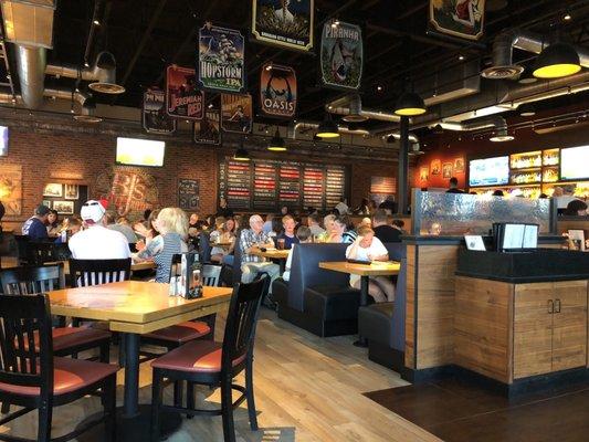 Bj S Restaurant Brewhouse Order Food Online 140 Photos