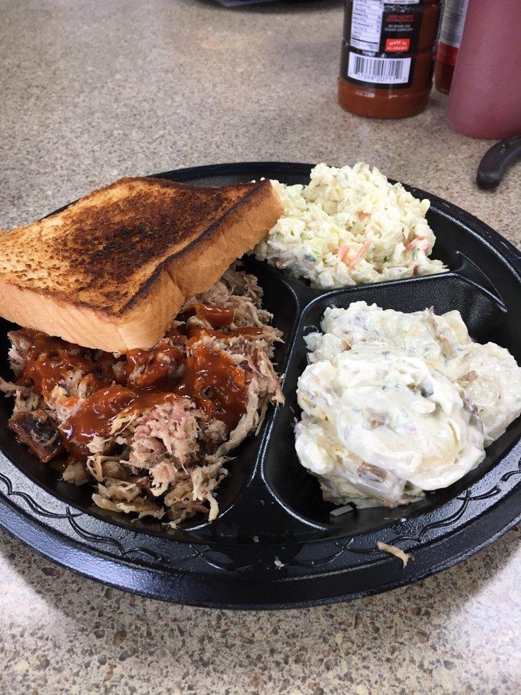Good Ole Boy's BBQ: 37730 US-280, Sylacauga, AL