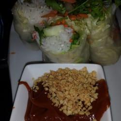 Yaya's Thai Restaurant logo