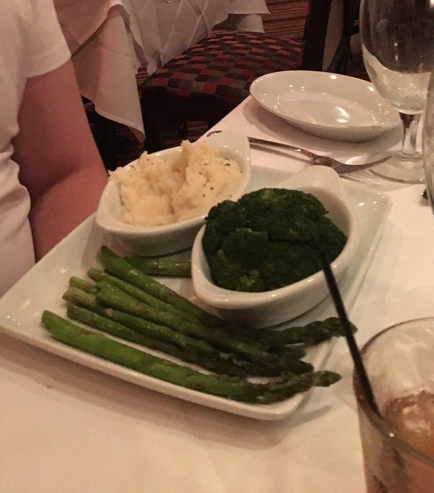 Vegetarian plate.... Poor presentation - Yelp