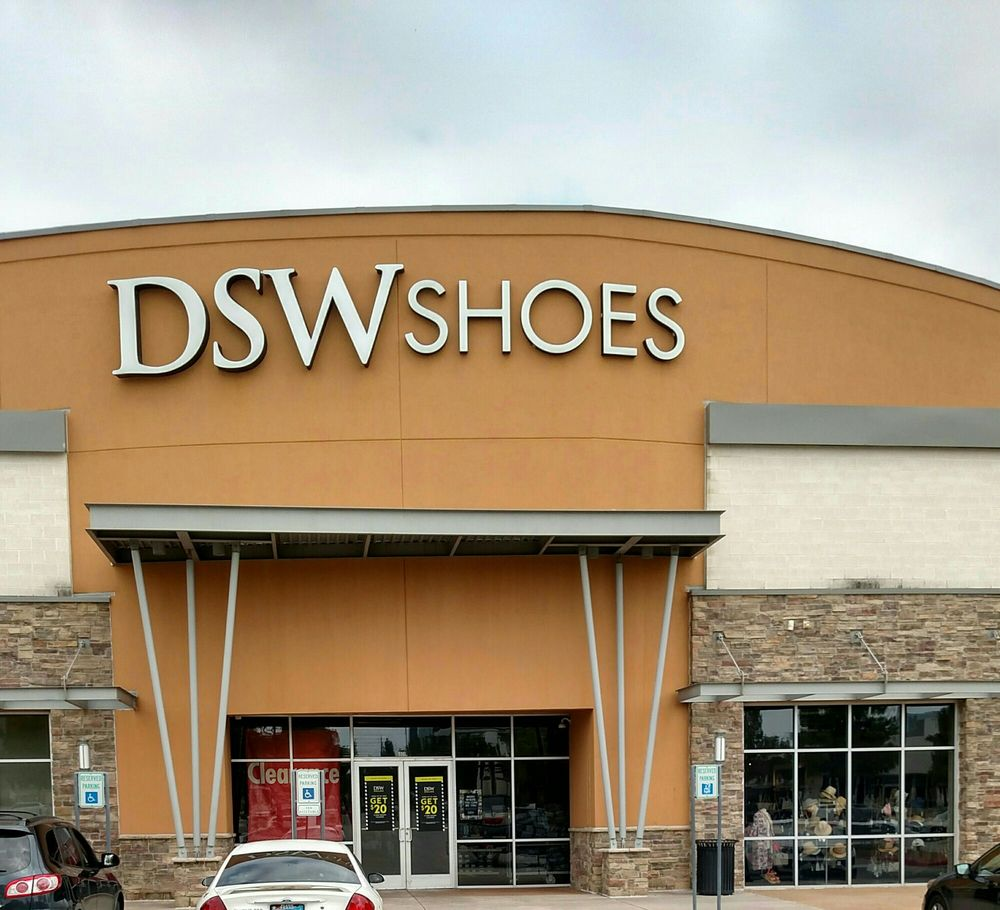DSW Designer Shoe Warehouse 5301 Belt Line Rd Dallas TX