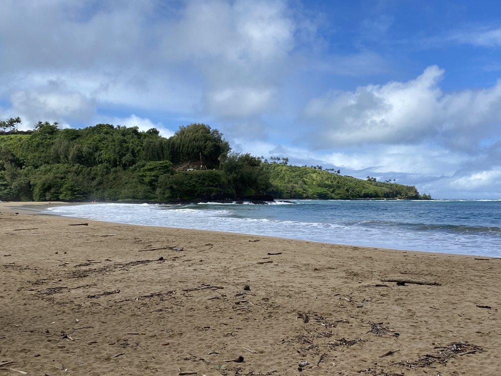 Kalihiwai Beach: Kalihiwai Rd, Kilauea, HI