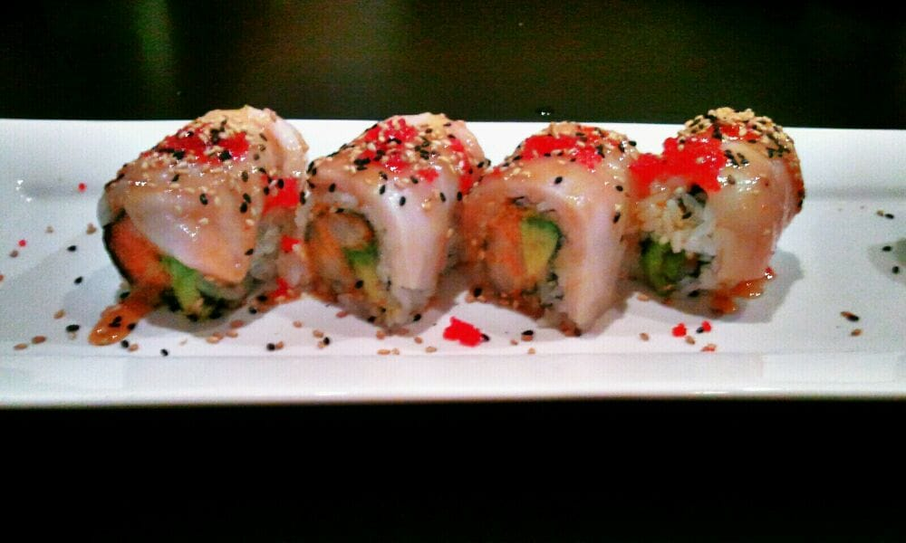 Crystal Roll (spicy scallop & avocado, topped with white tuna, caviar ...