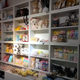 fotos zu j store yelp. Black Bedroom Furniture Sets. Home Design Ideas