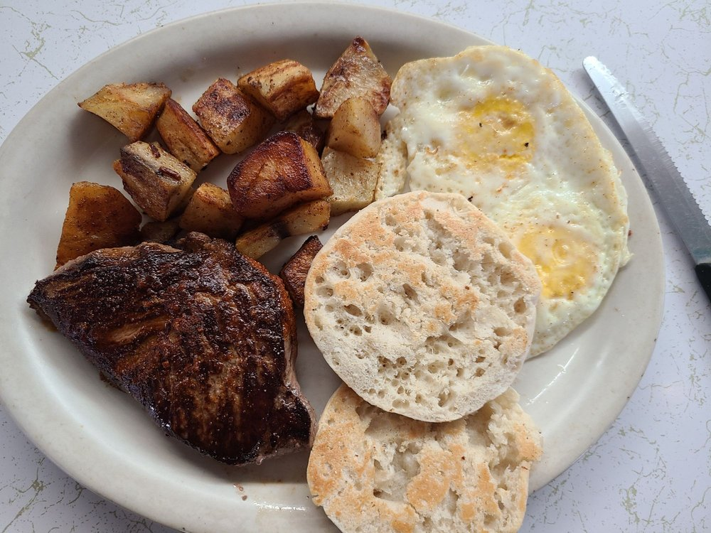 Roxie's Diner: 4609 S Jackson St, San Angelo, TX
