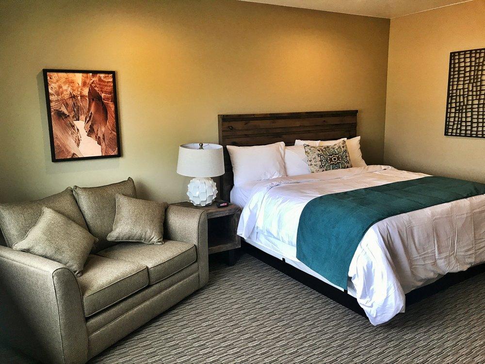 Canyon Country Lodge: 760 E Highway 12, Escalante, UT