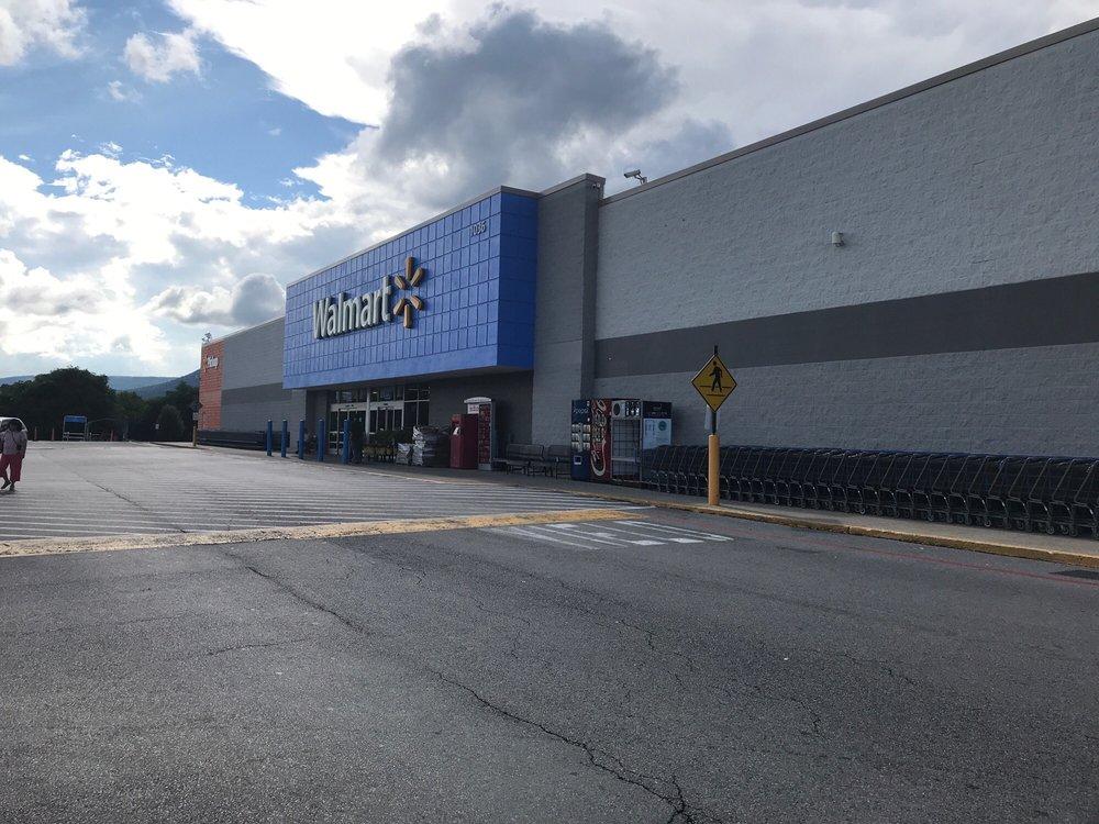 Walmart Supercenter: 1036 US Hwy 211 W, Luray, VA