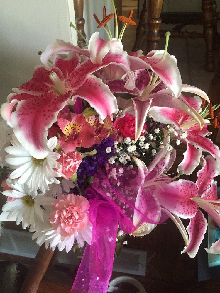 Flowerama On Pacific: 14265 Pacific St, Omaha, NE