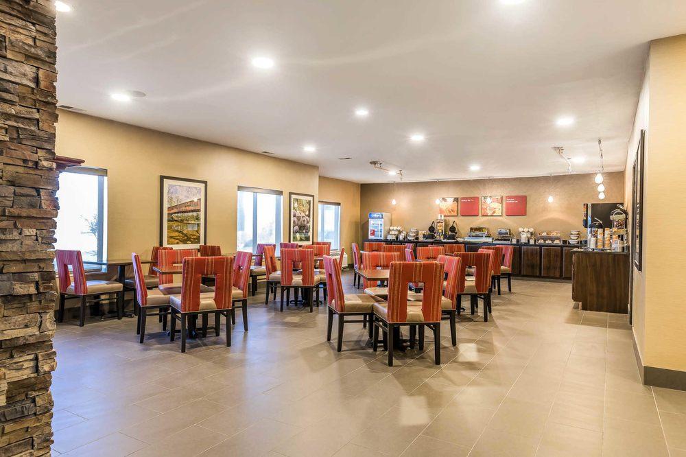 Comfort Suites North: 3302 E Dupont Rd, Fort Wayne, IN