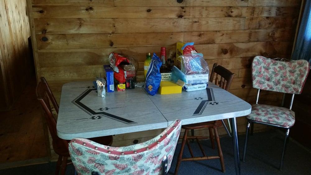 Echo Lake Lodge & Cottages: 230 Echo Lodge Rd, Fayette, ME