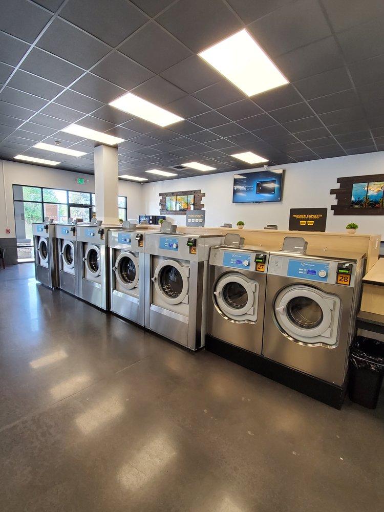 Pur Laundry: 3100 Kitsap Way, Bremerton, WA
