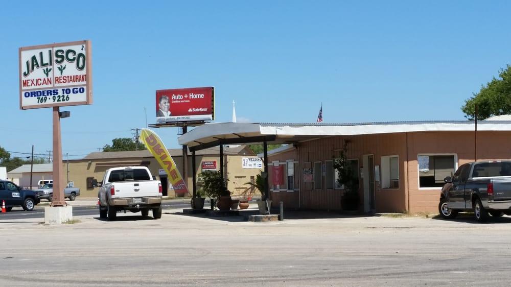 Jalisco Mexican Restaurant 2: 802 Oak St, Jourdanton, TX