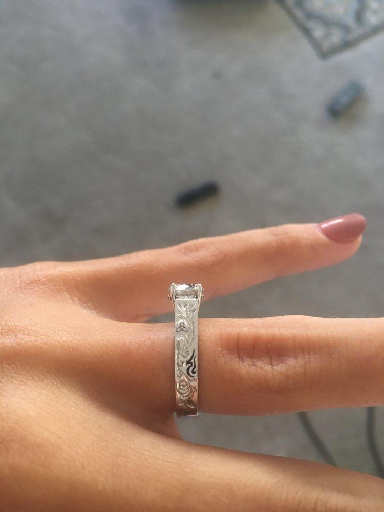 Diamond Designs Unlimited Jewelers: 6111 100th St SW, Lakewood, WA
