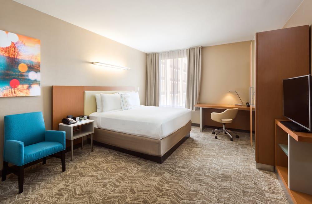 SpringHill Suites by Marriott Louisville Downtown: 132 E Jefferson, Louisville, KY
