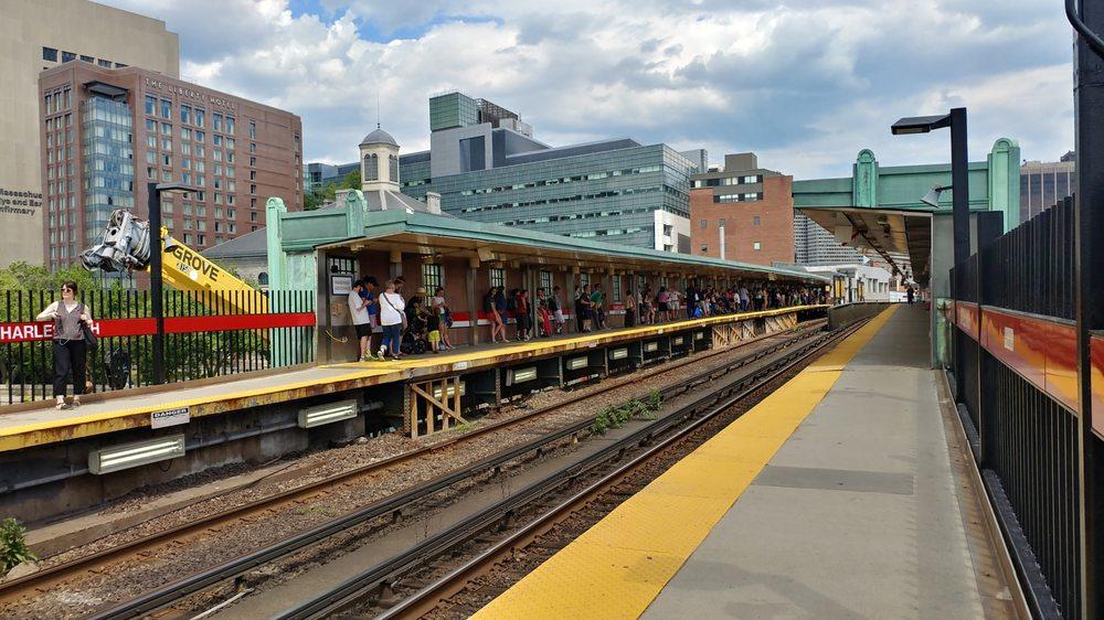 MBTA - Charles/MGH Station