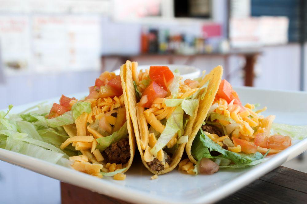 Lugos Tacos: 818 E Pierce St, Luling, TX