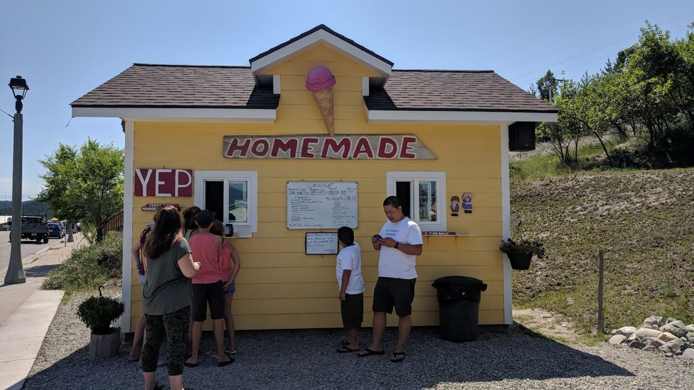 G's Homemade Ice Cream: 520 Dewey Ave, Eureka, MT