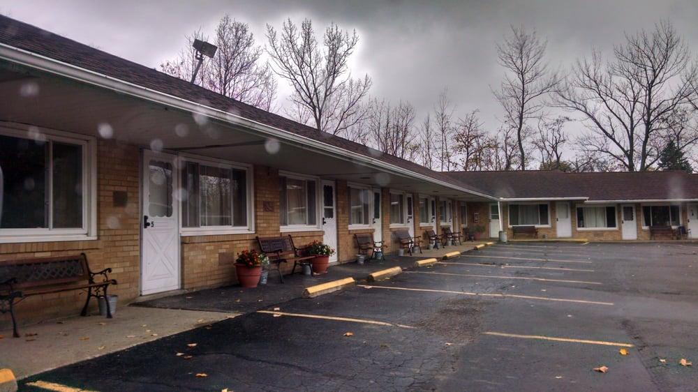 Angola Motel: 9159 Erie Rd, Angola, NY