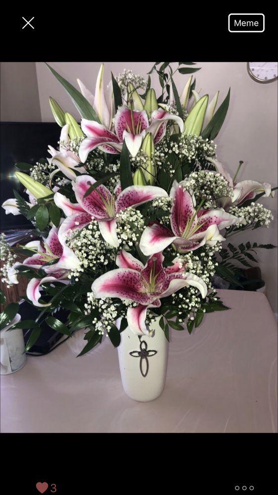 Pequa Park Florists: 536 Broadway, Massapequa, NY