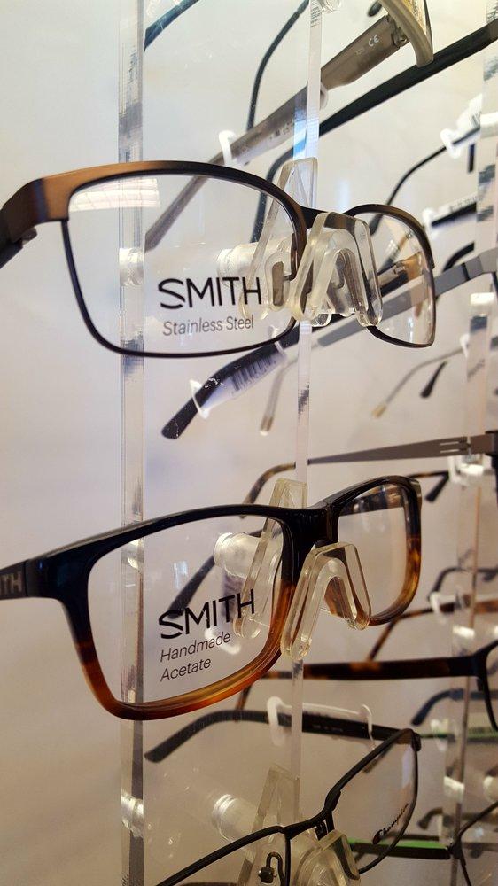 Eyecare Associates: 312 E Lakeway Rd, Gillette, WY