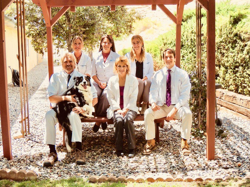 Valley Veterinary Clinic: 4390 E Main St, Farmington, NM