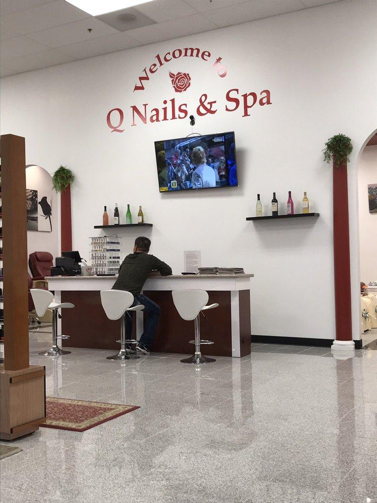 Q Nails & Spa: 2360 Edgewood Rd SW, Cedar Rapids, IA