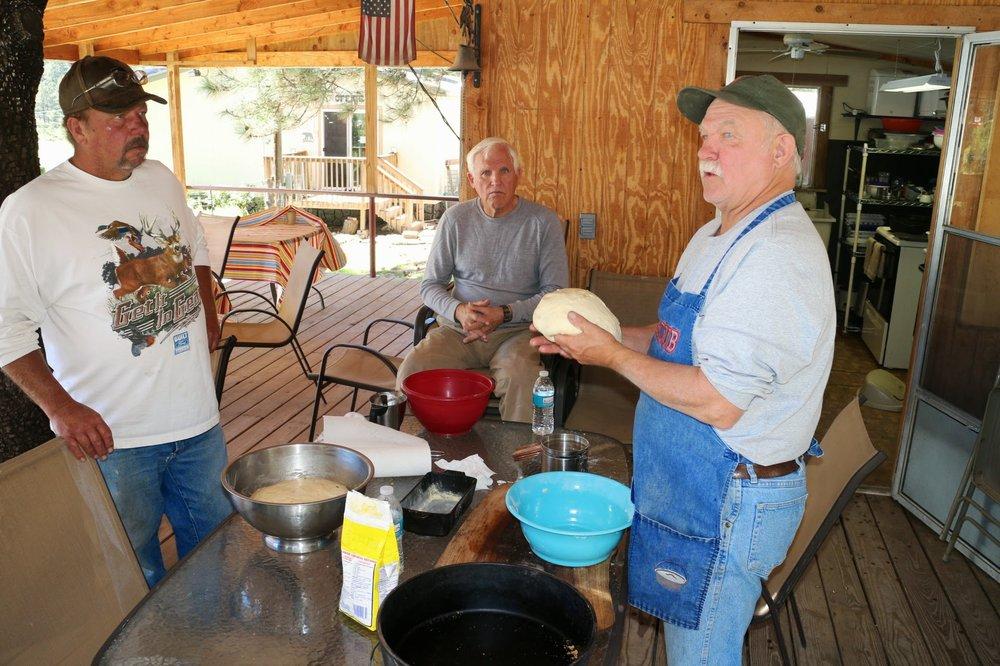 Lazy Day Cabins & RV Hideaway: 9 Ponderosa Dr, Mayhill, NM