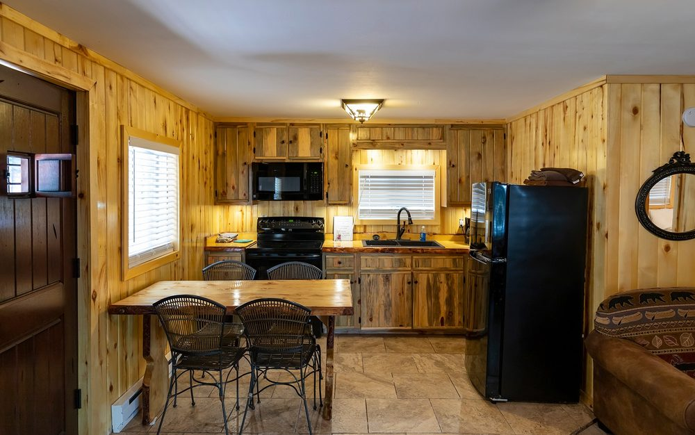 Wolf Creek Ranch Ski Lodge: 177022 US Hwy 160, South Fork, CO