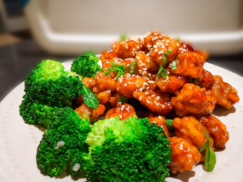 Lucky Wok: 6732 Forest Hill Dr, Forest Hill, TX