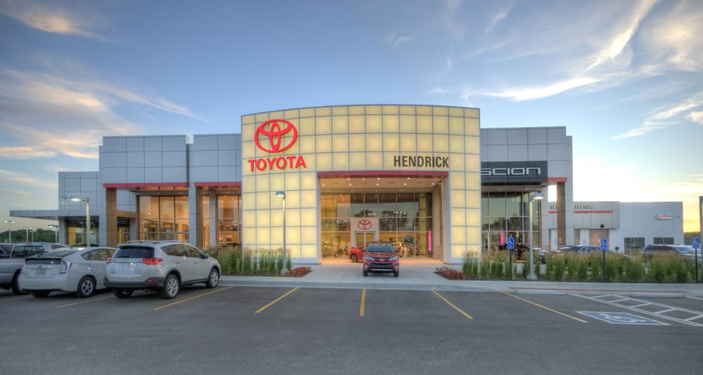Hendrick Toyota Merriam 51 Photos 88 Reviews Car Dealers 9505 W 67th St Ks Phone Number Yelp