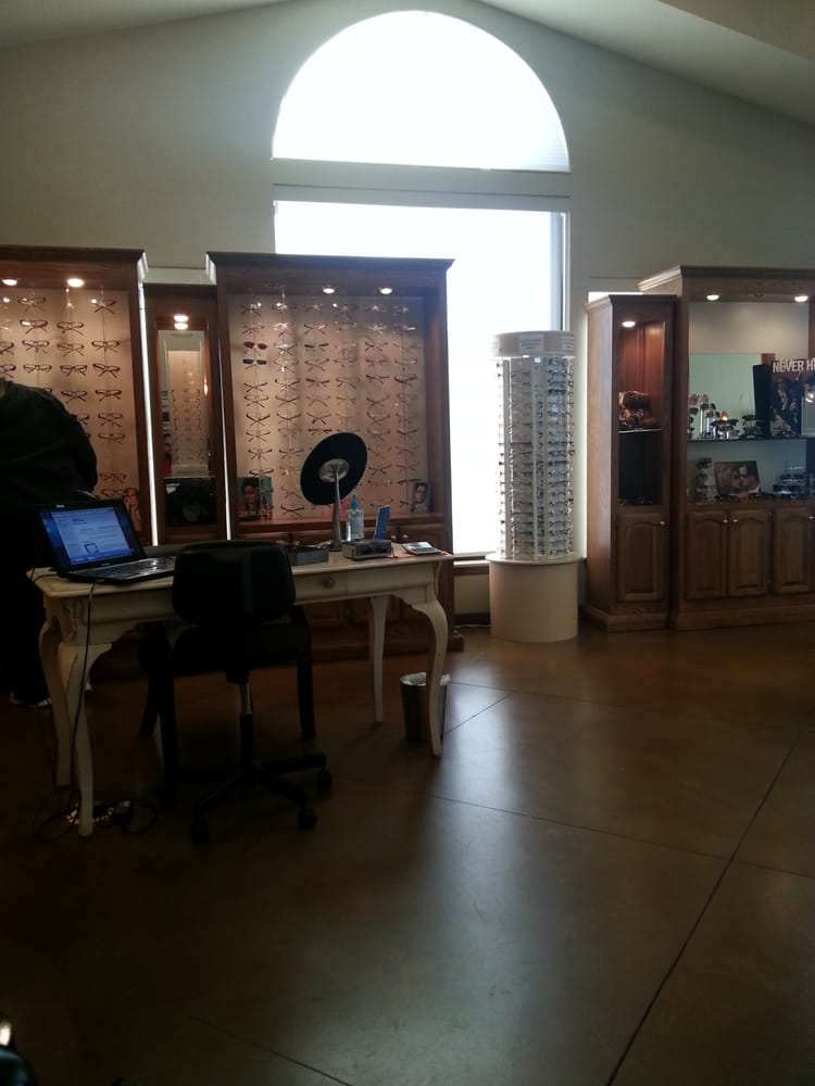 EyeCare Associates: 1604 Professional Cir, Yukon, OK