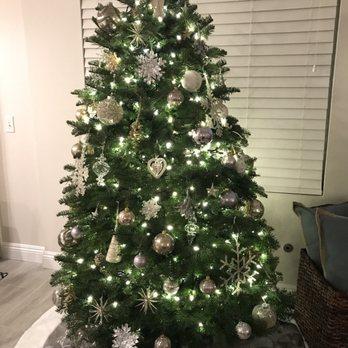 Photo of Pinery Christmas Trees - Del Mar, CA, United States. 5.5 foot - Pinery Christmas Trees - 10 Photos & 14 Reviews - Christmas Trees